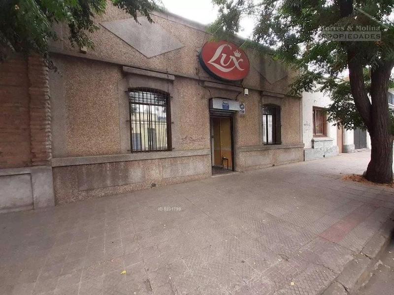 Lira 1333, Santiago
